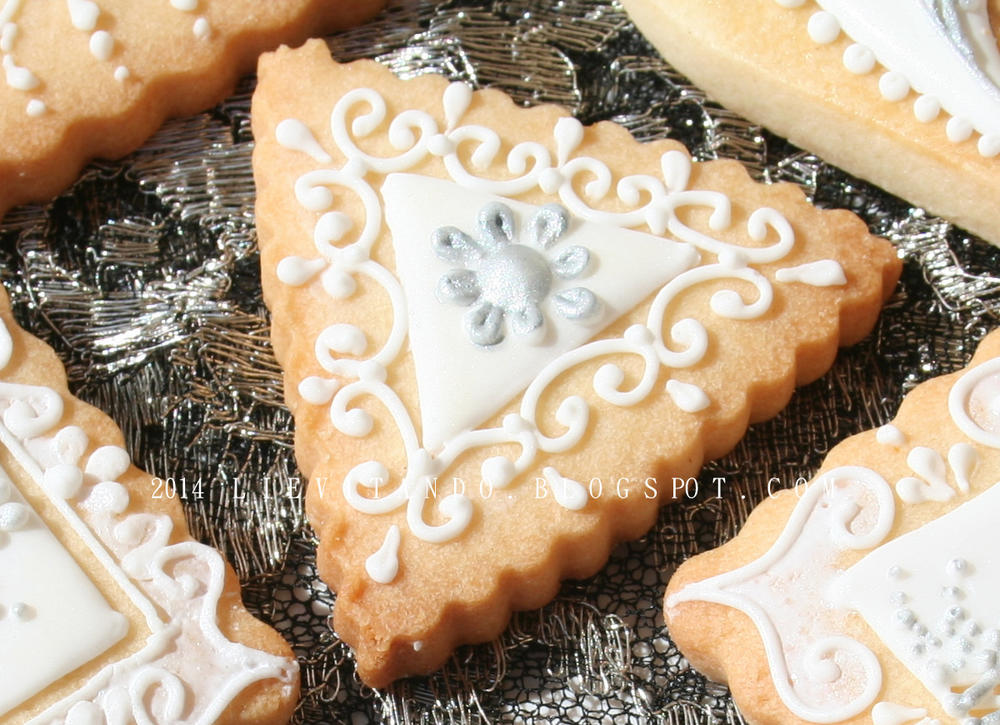 small cookies embroidered icing