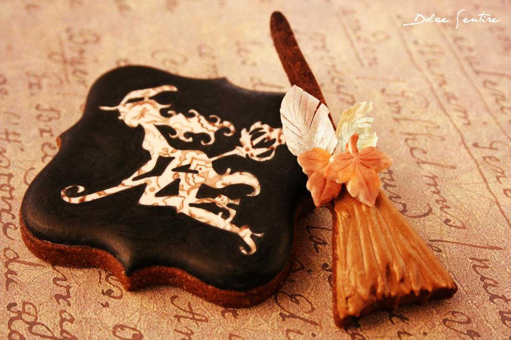 elegant halloween cookies