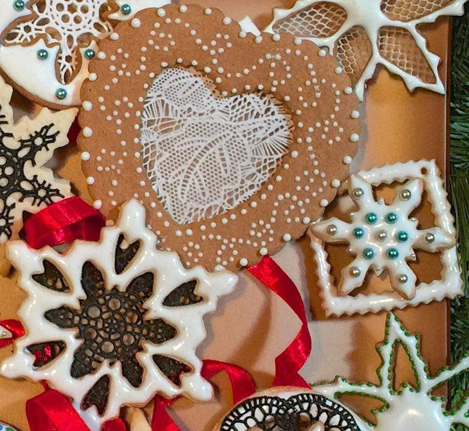 Sugarveil Rose Mantilla Brooches Mat Snowflake Cookies