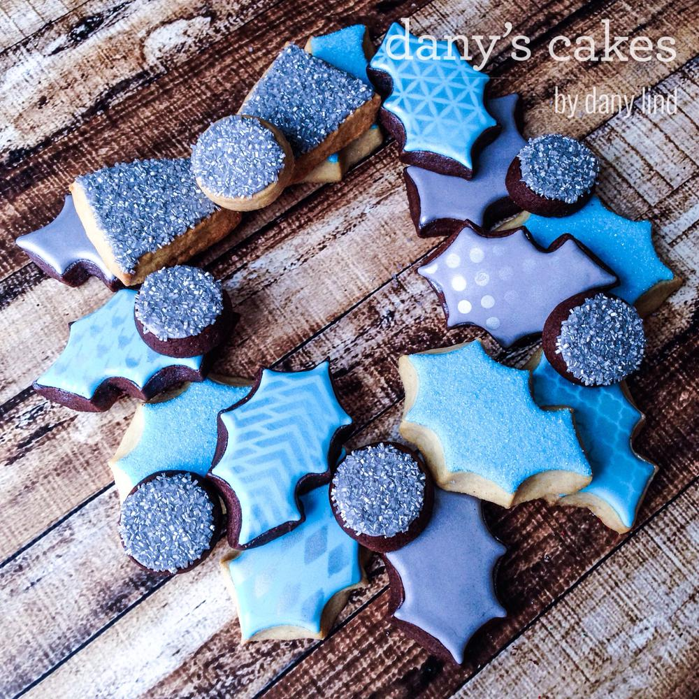 Blue Christmas Wreath by Dany's Cakes