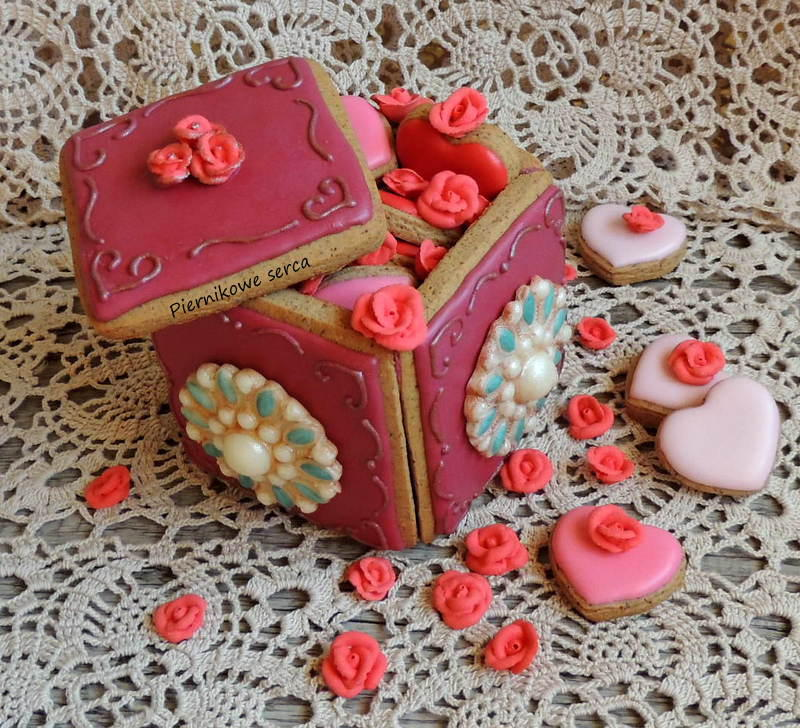 3-D Cookie Box