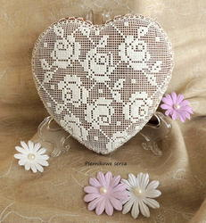 Heart with roses lace pattern