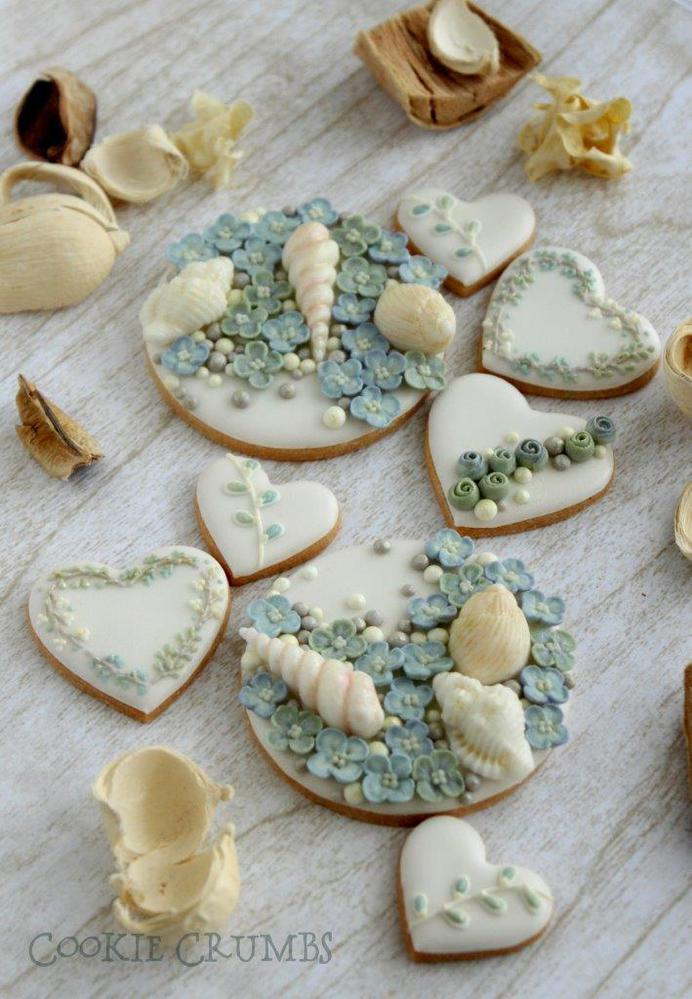 shell and hydrangea cookies