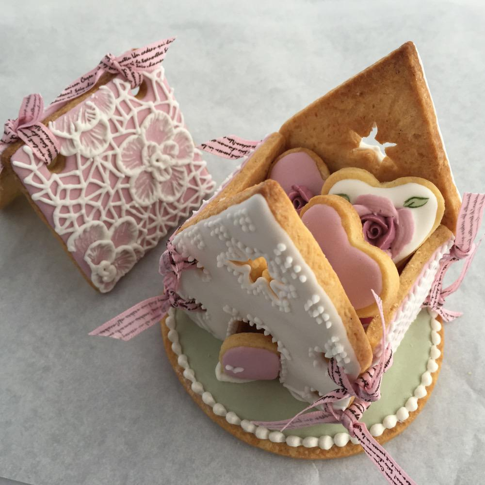 Delicate Icing Cookie Art - Cookie House with mini cookies