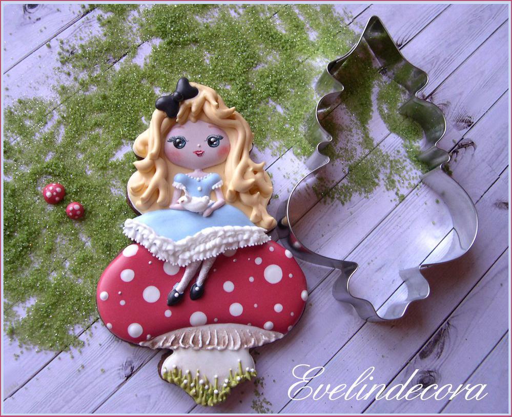 Baby Alice in Wonderland