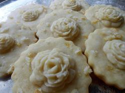Lemon Shortbread with Roses