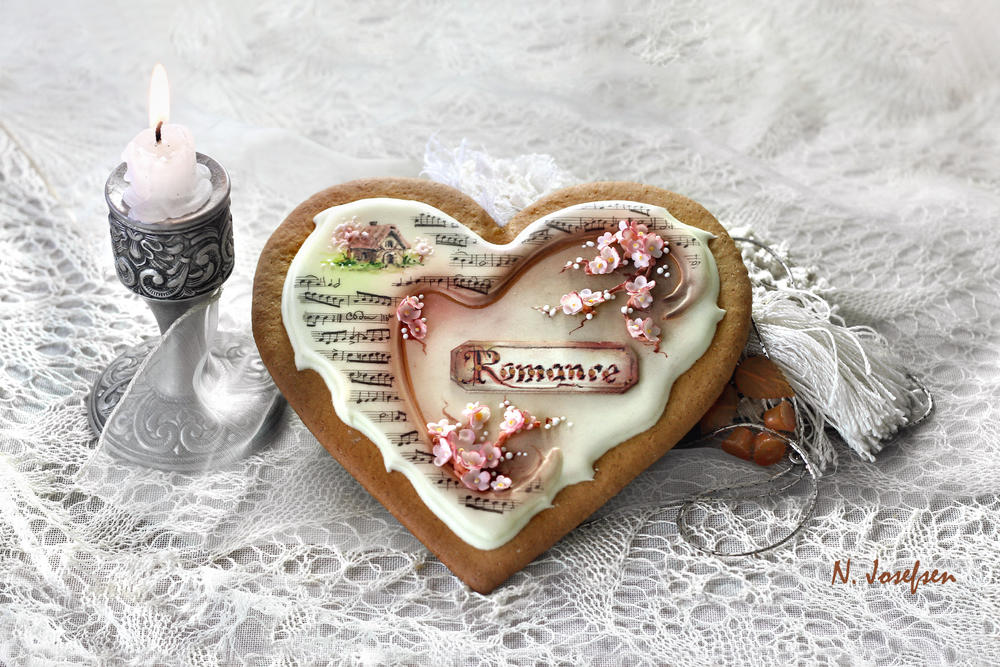 A heart cookie