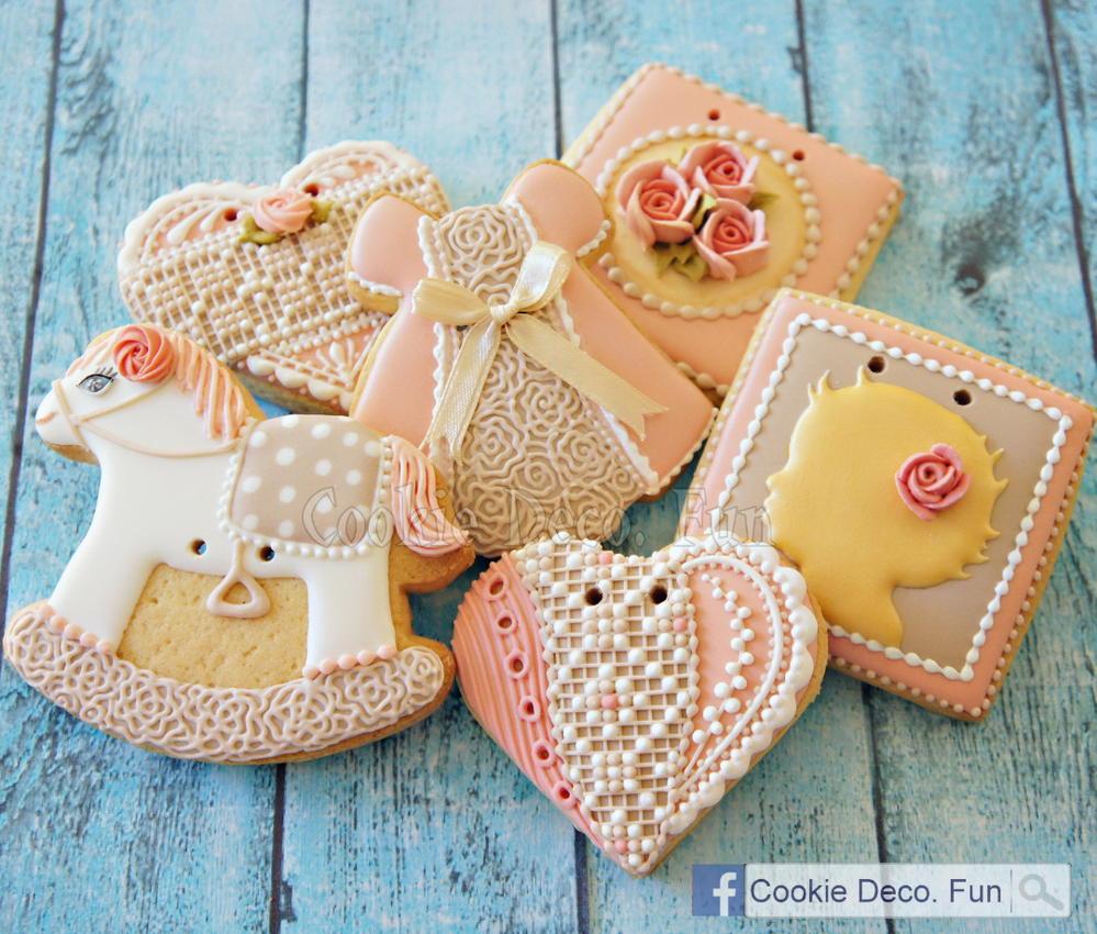 Baby girl cookie set