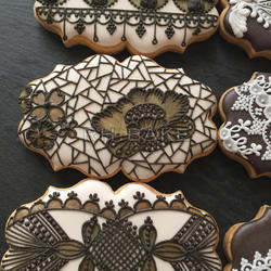 Brown-on-Off white lace cookies