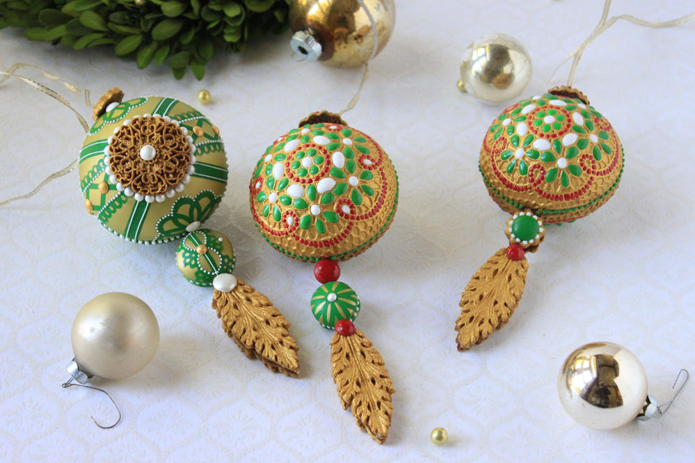 3-D Christmas Cookie Ornaments