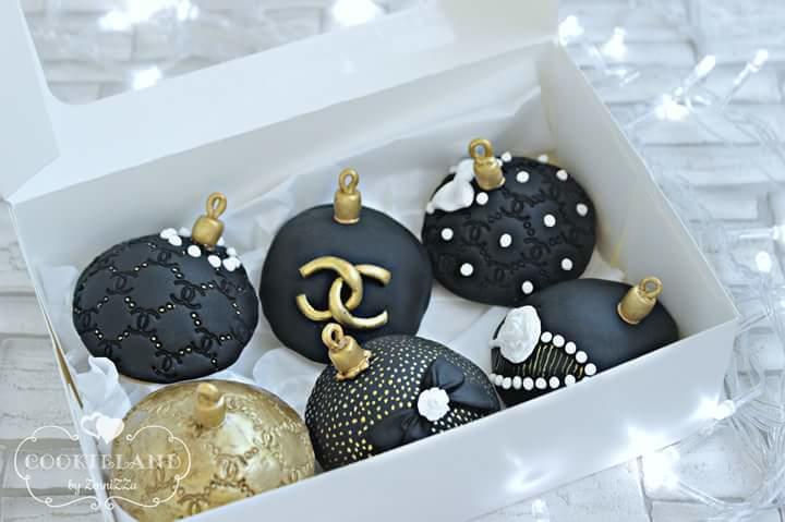 Chanel Christmas ornament cookies
