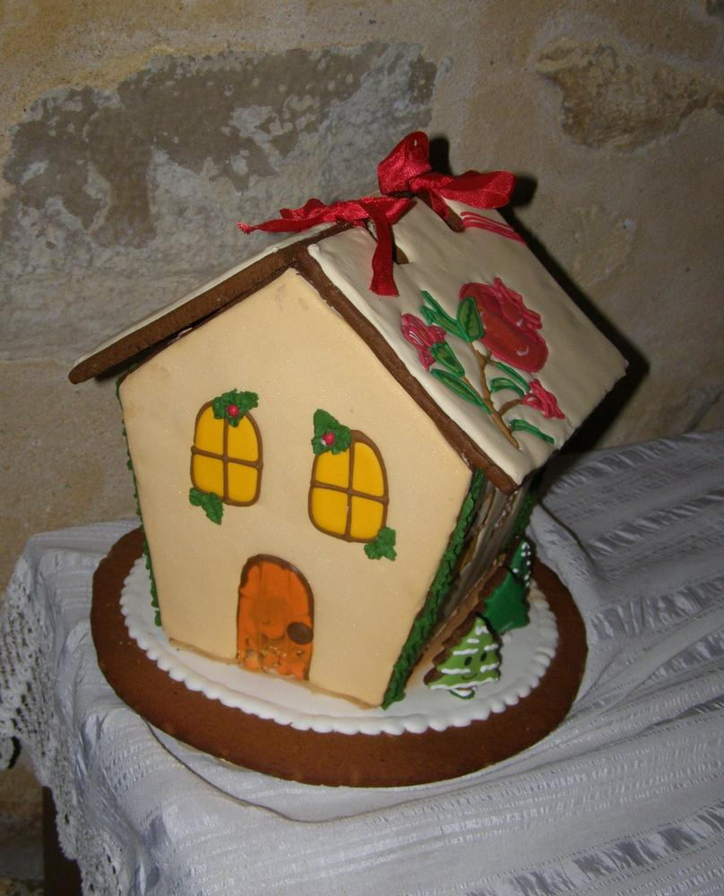 Pomegranate gingerbread house