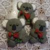 Knitted Valentine Koalas