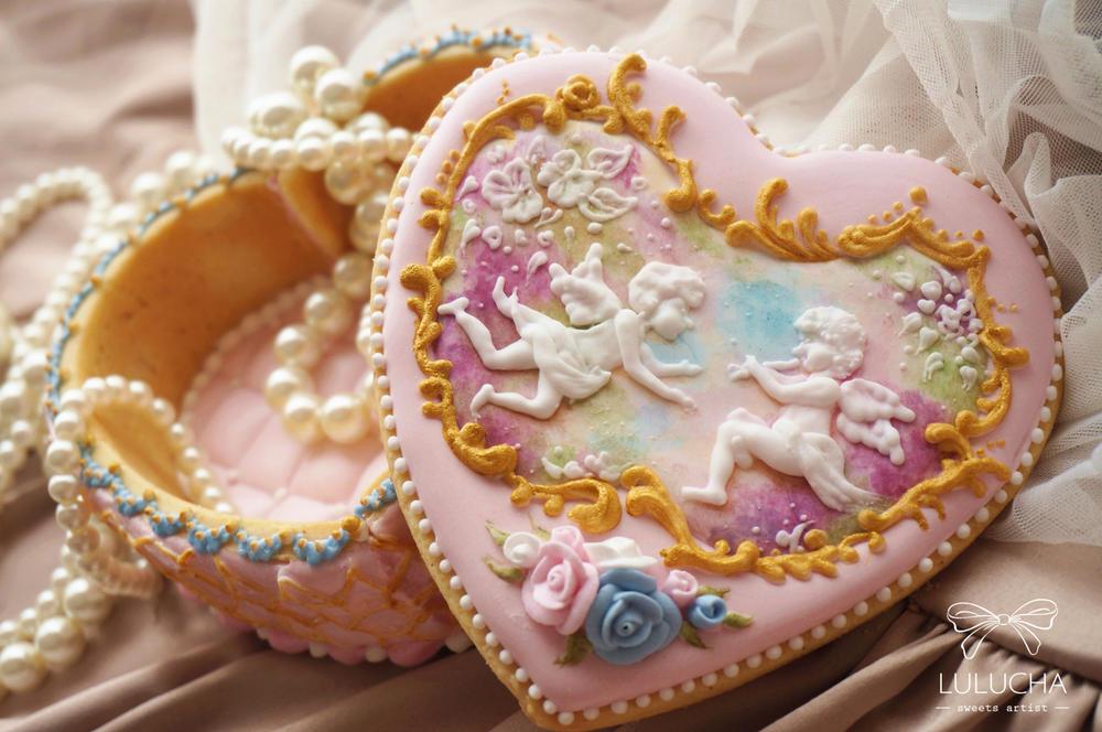 Rococo angel heart cookie box