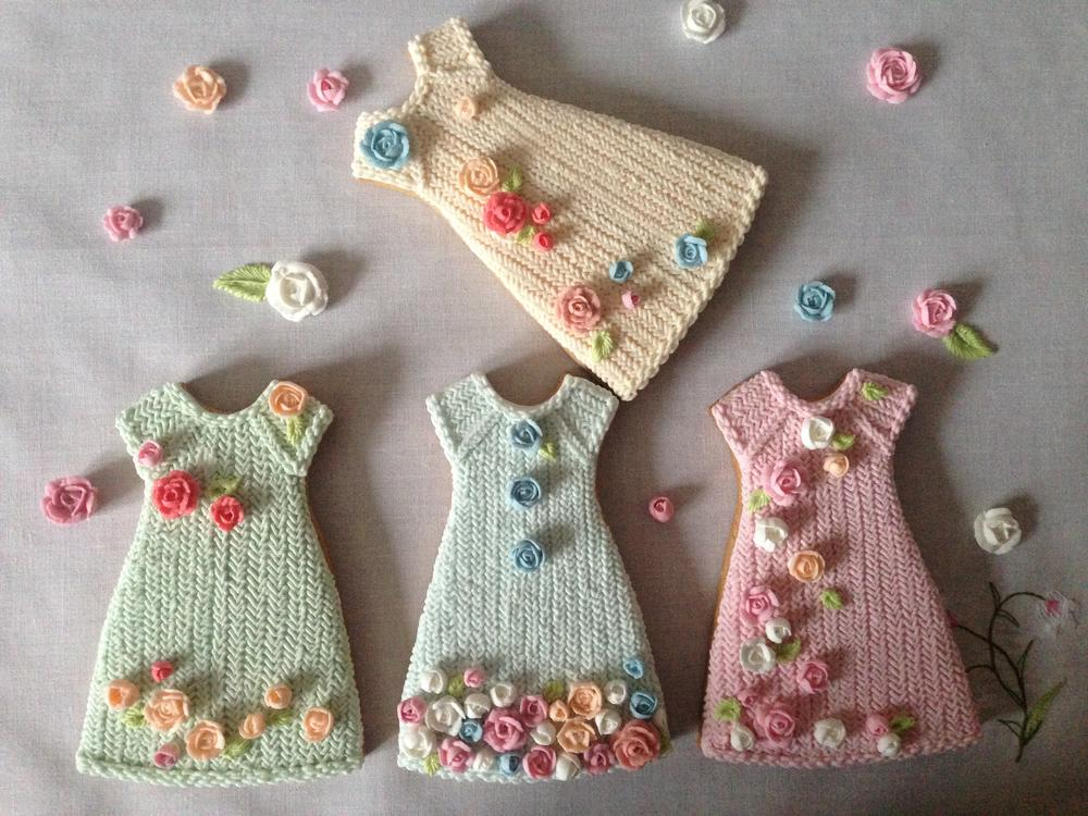 Knitted dresses for a very very young lady)