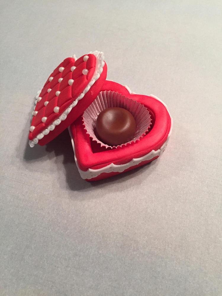 3D cookie heart box