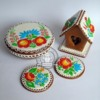 gingerbread box with embroidery and gingerbread house