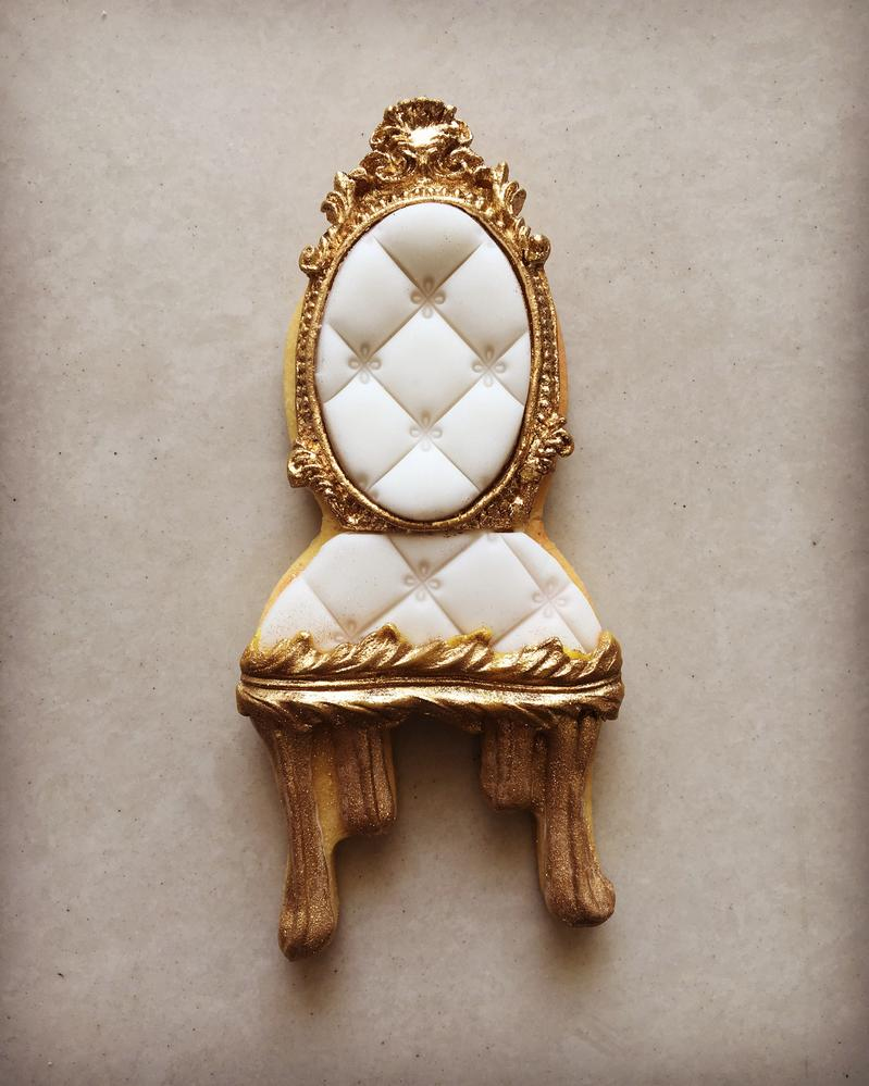 White Chair Cookie by Lorena Rodríguez