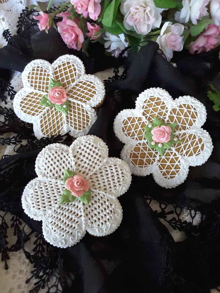 Crosshatching flowers