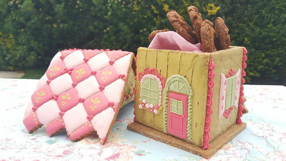 Gingerbread House Cookie Jar