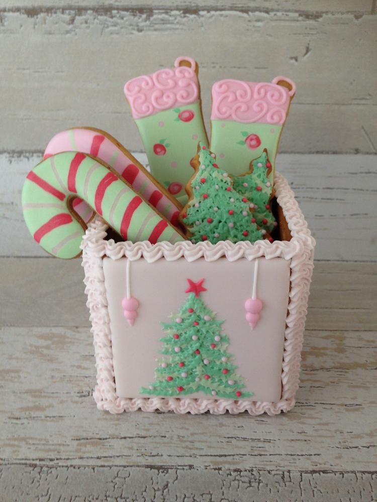 3-D Christmas Cookie Box
