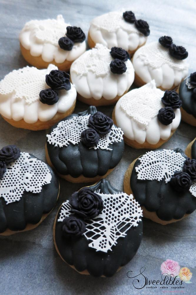 Black & White Mini Pumpkins