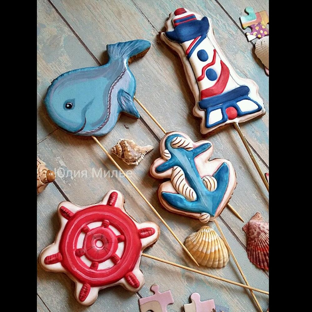 by the sea. .. some fun cake toppers. @Gingerfairy.msk