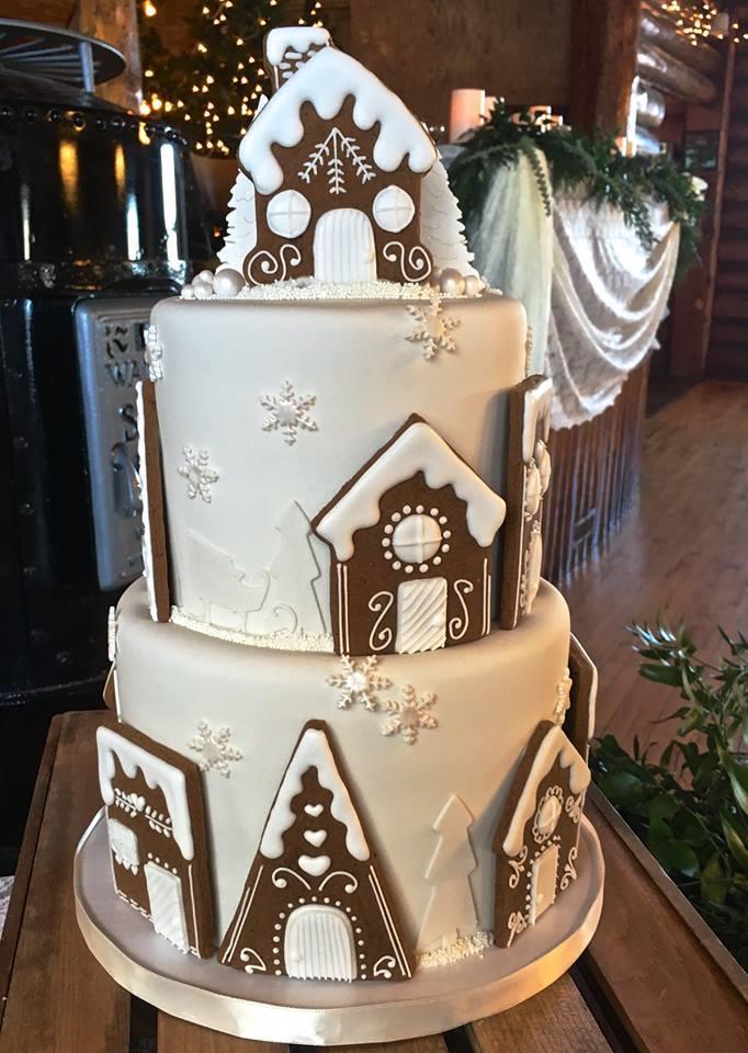 Vintage Christmas Wedding Cake