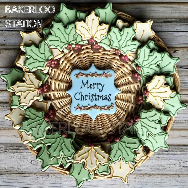 Holly Wreath Platter PM