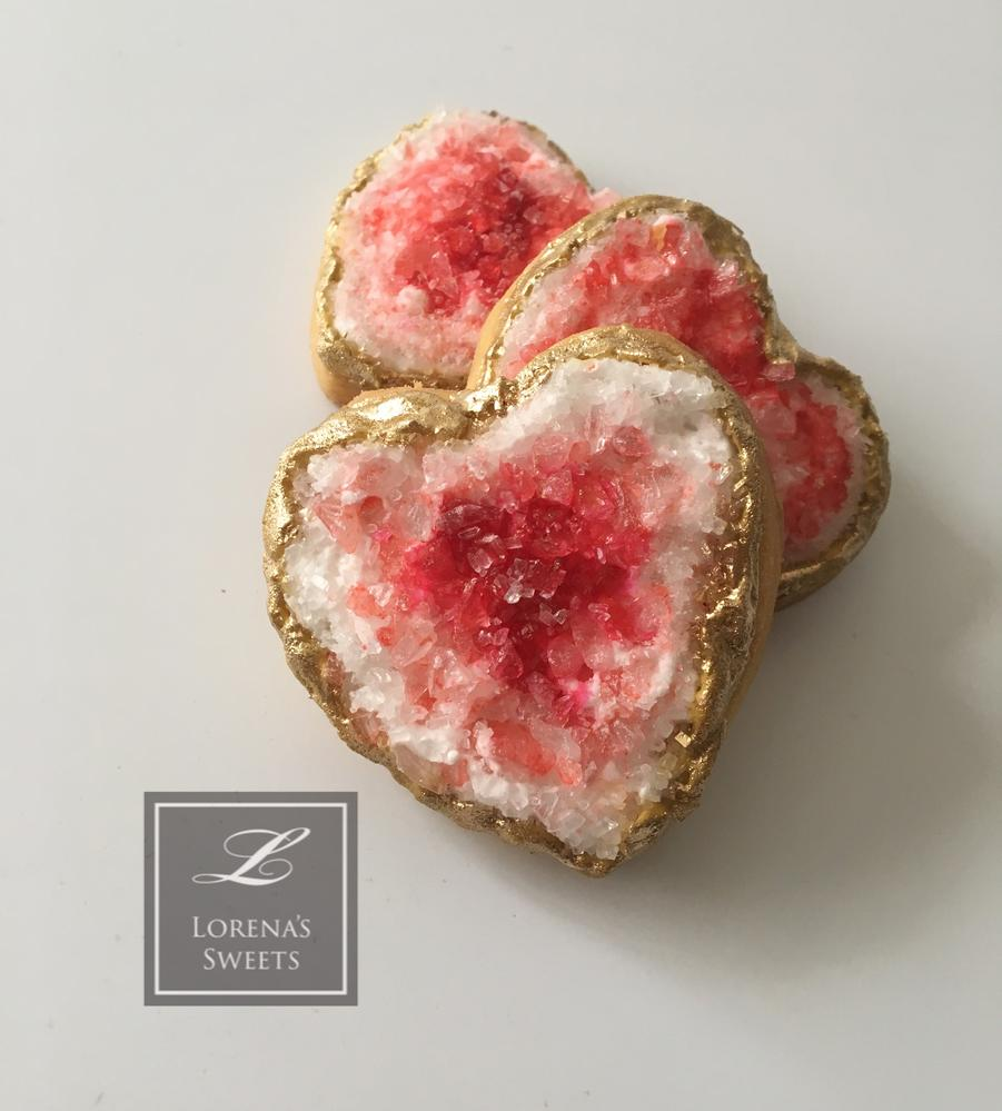 Lorena Rodríguez.  Heart Geode cookie. Valentine's cookies