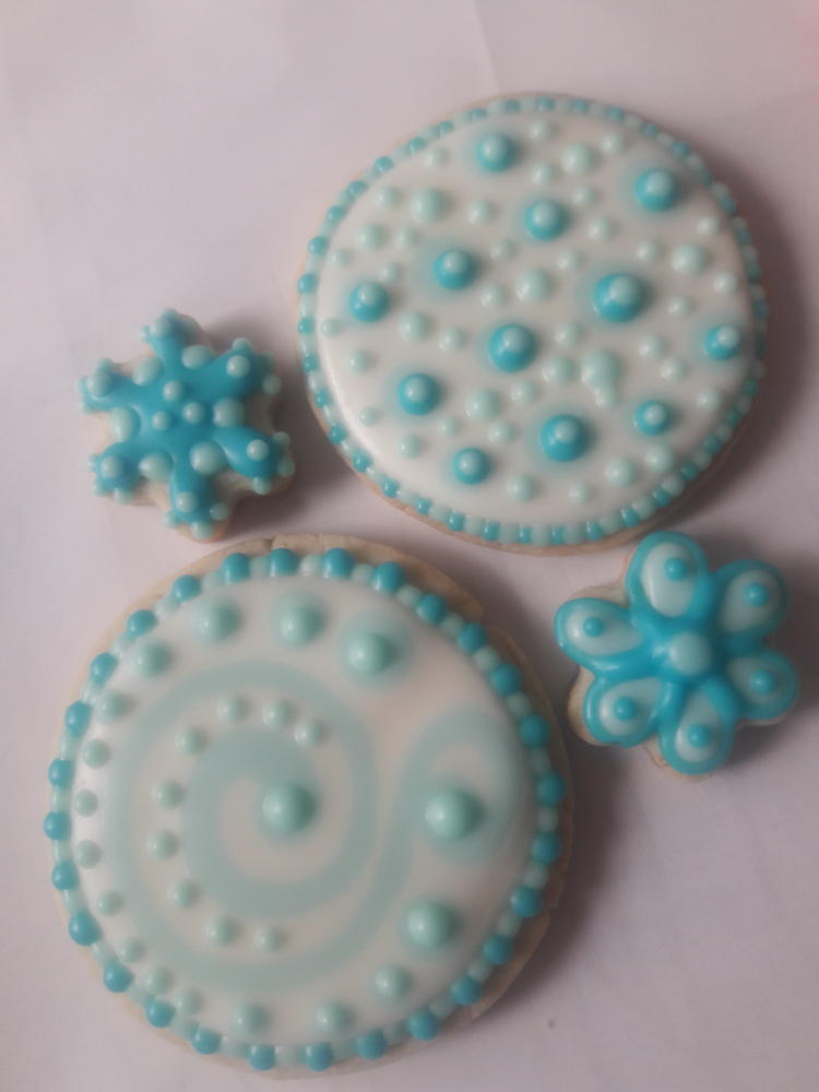 Playing with Blue and White Royal Icing