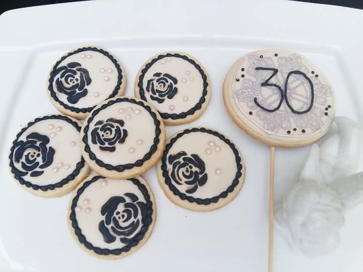 30's and roses