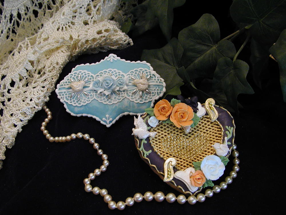 Aqua lace/Black and Gold Heart