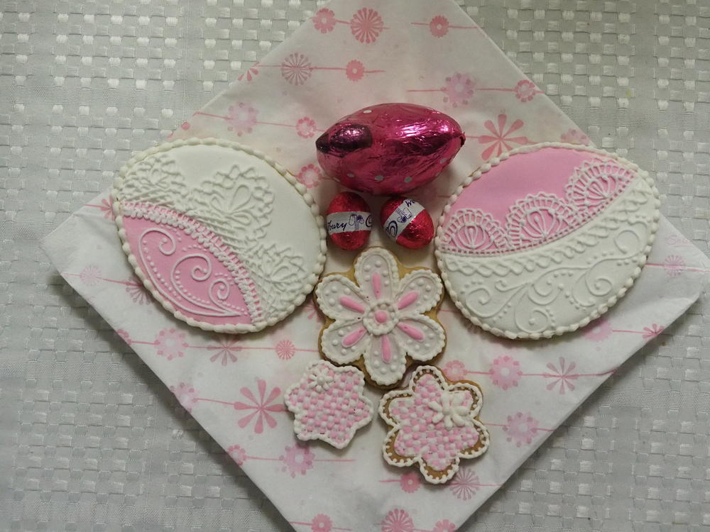 Needlepoint and Piped Lace by Maxine
