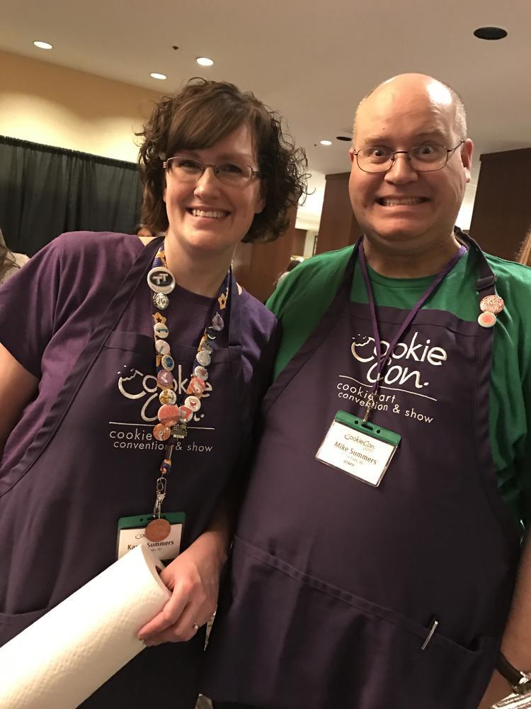 CookieCon Hosts: Karen and Mike Summers of Karen's Cookies
