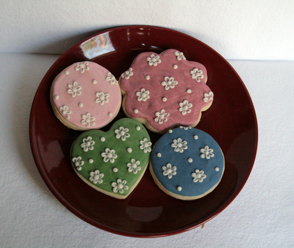 Brush Embroidered Floral 1 - The Woodsy Wife Bakery
