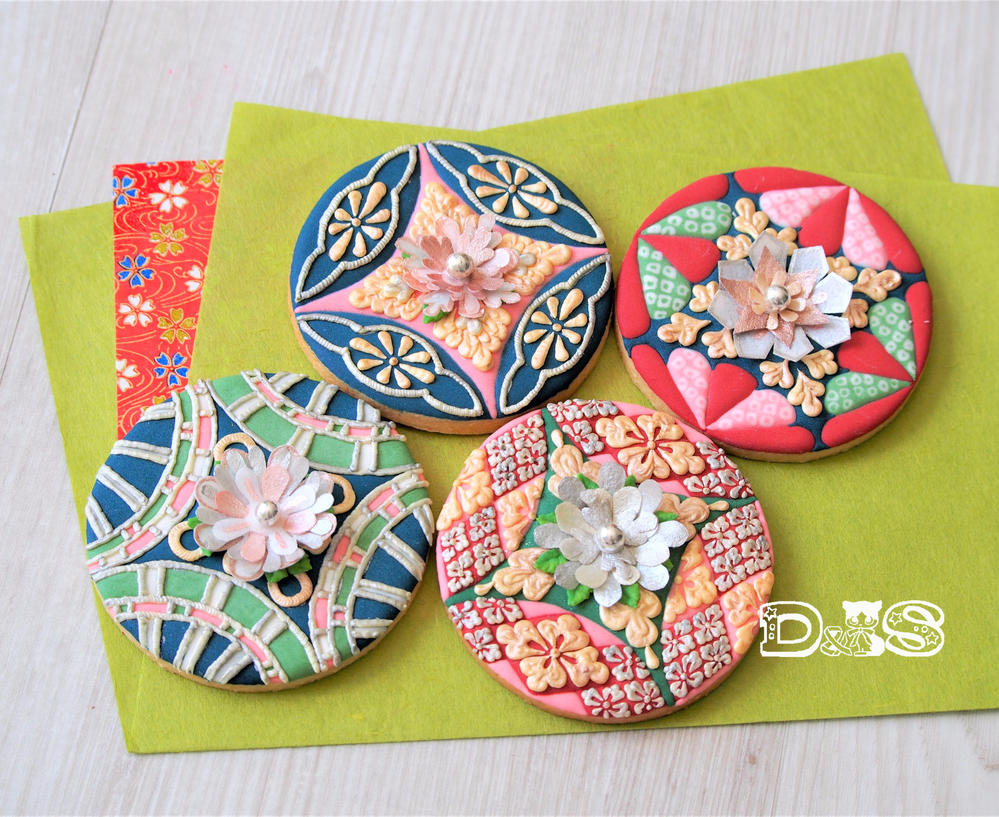 Japanese Kimono-Patterns with Wafer Paper