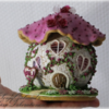 Gingerbread House: Small Mushroom Cottage with Mini Glass (Isomalt) Roses