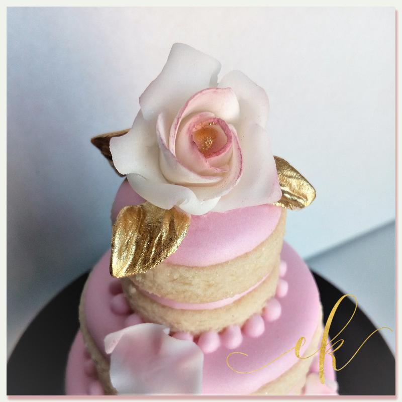 Three-Tiered Wedding Cake Cookie!