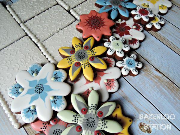 More Mom's Mod Flowers | Bakerloo Station