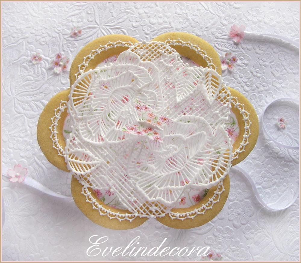 Royal Icing Garden Cookie