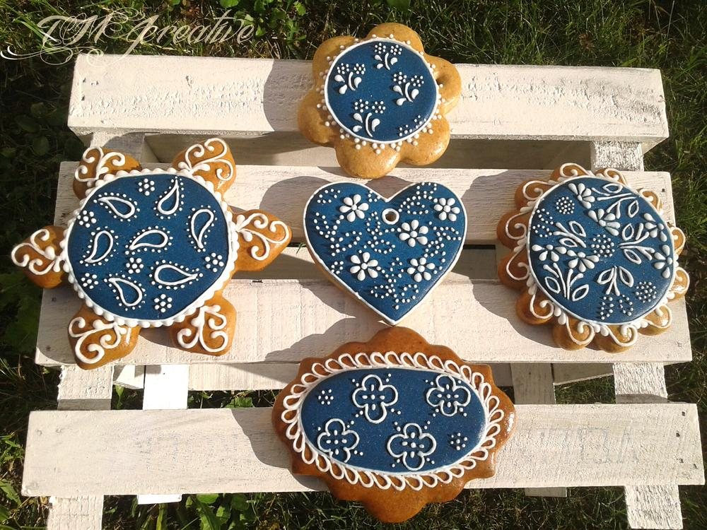 Blue and white cookies by TMJcreative