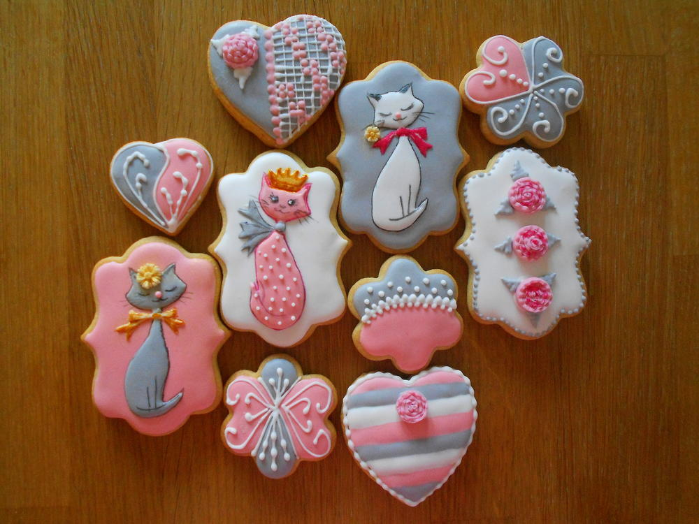Queen Cat vanilla sugar cookies