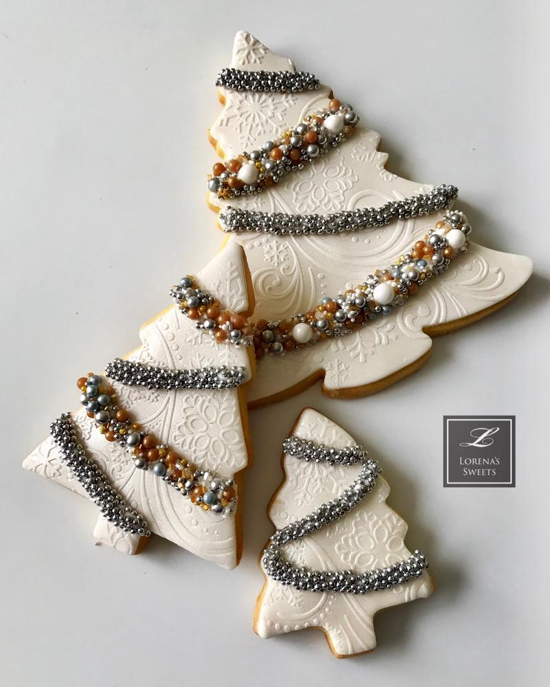 lorena Rodríguez. White Christmas cookies. White tree cookies