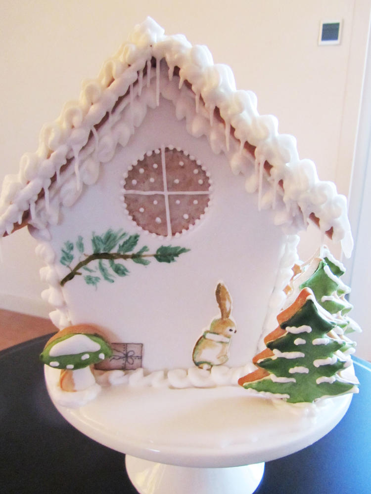 Gingerbread House with Bunny