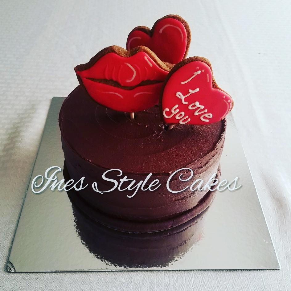Simple but Lovely, Love Chocolate Cake!
