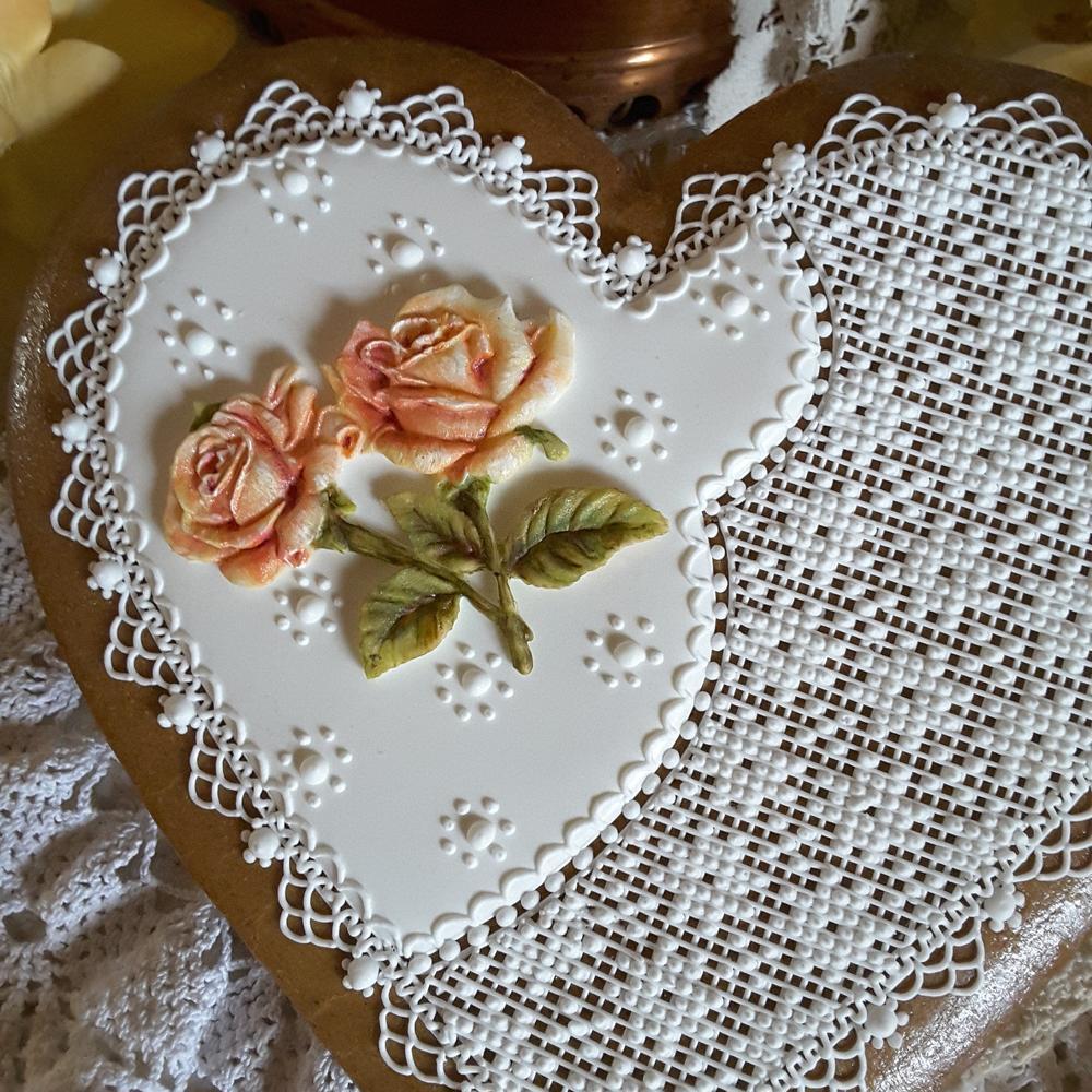 Moulded roses