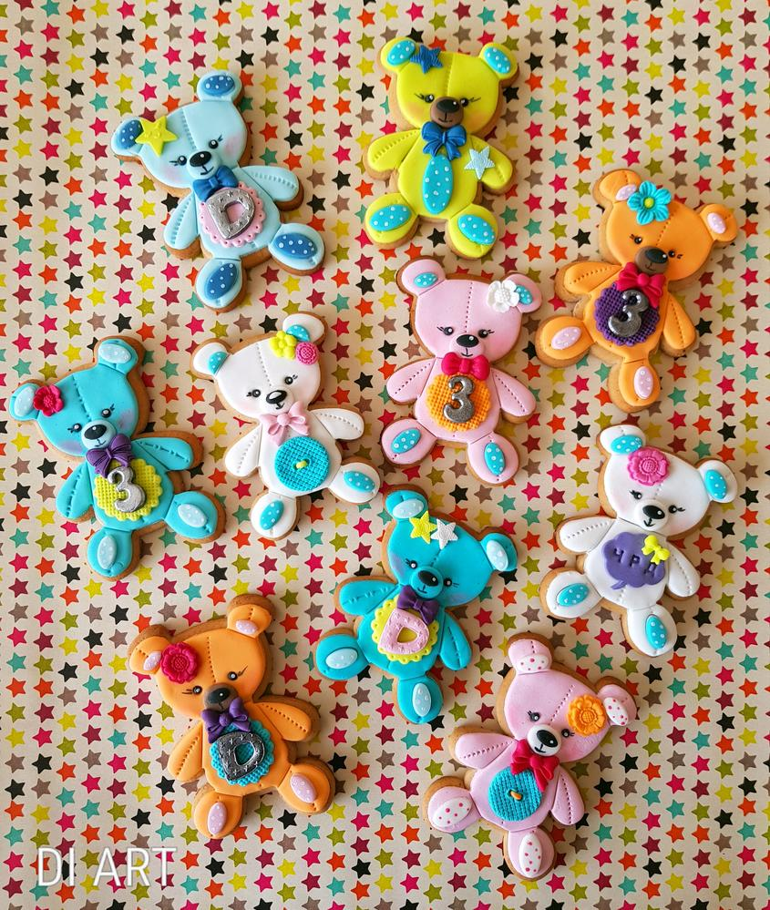 Colourful teddies!🐻