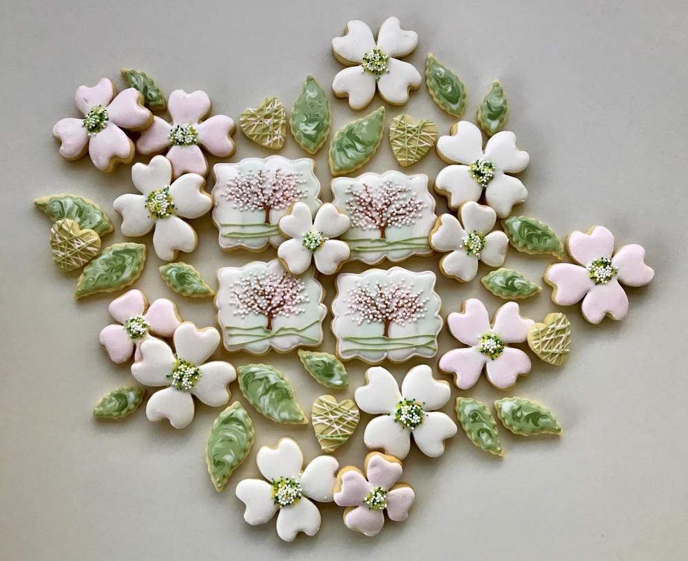 Paige's Designer Cookies Dogwood Set