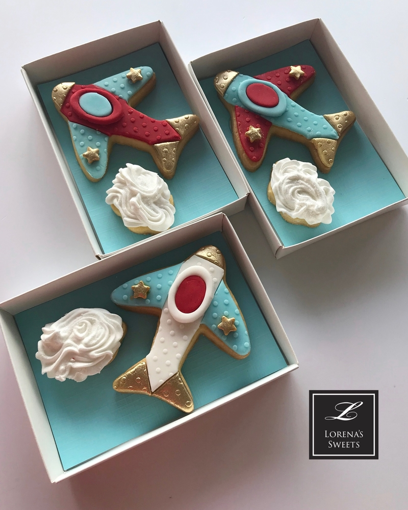 Lorena Rodríguez. Airplane cookies